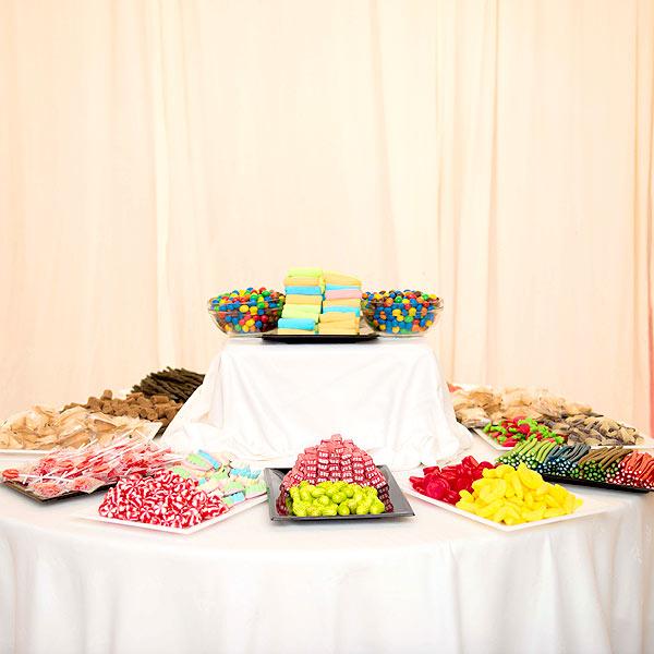 Candy Bar para bodas y comuniones - 6fcb3-0ee50-candy-bar-chuches-boda.jpg