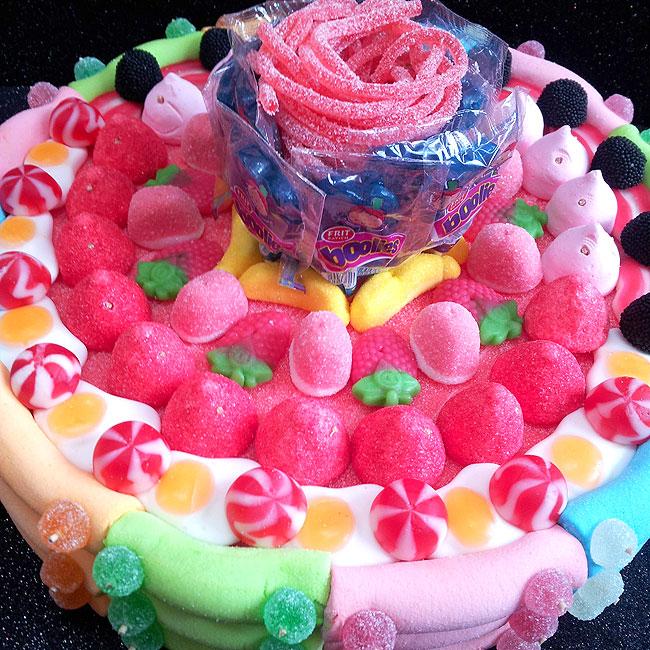Pastel de cumpleaños de un solo piso con nombre y velas - 8cffa-8c29b-20150429_142806.jpg