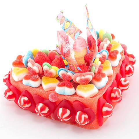 Pastel de corazón de chuches especial día enamorados
